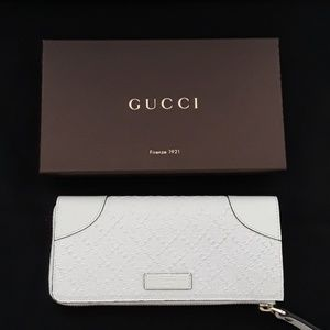 New in box 100% Authentic GUCCI wallet. 354488